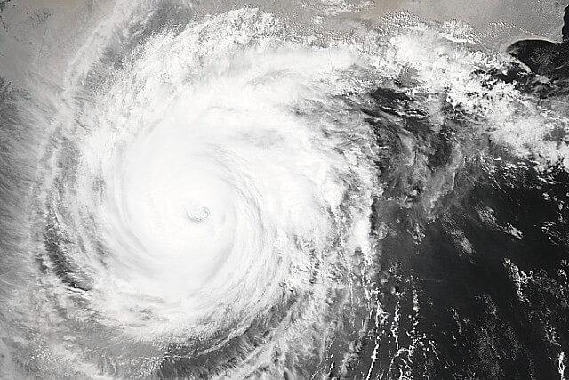 台風でフェンス倒壊 撤去進まず 法的責任は 市原ゴルフガーデン